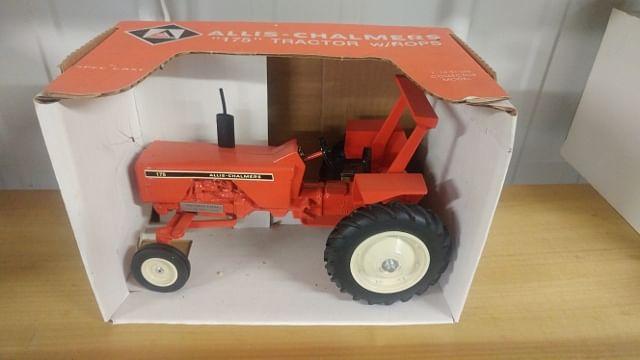 1//64 ertl custom farm toy Pallet agco massey Ferguson implement skid parts dcp